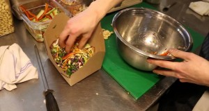Healthy fast food: Organic boxed lunches